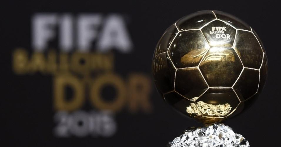 11.jan.2016 - Messi, Neymar e Cristiano Ronaldo estão na disputa pela Bola de Ouro