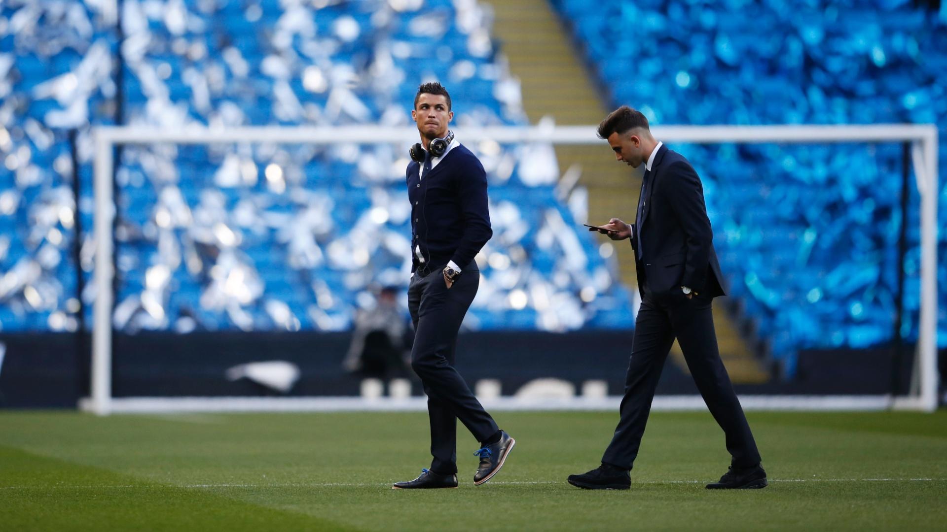 Cristiano Ronaldo foi com o time para o Etihad Stadium, mas não foi aprovado no teste físico antes da partida