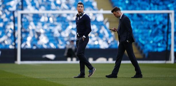 Cristiano Ronaldo não passou no teste físico e desfalcará o Real Madrid contra o City - Phil Noble/Reuters