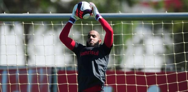 Danilo Fernandes volta ao gol do Internacional contra o Novo Hamburgo, neste domingo