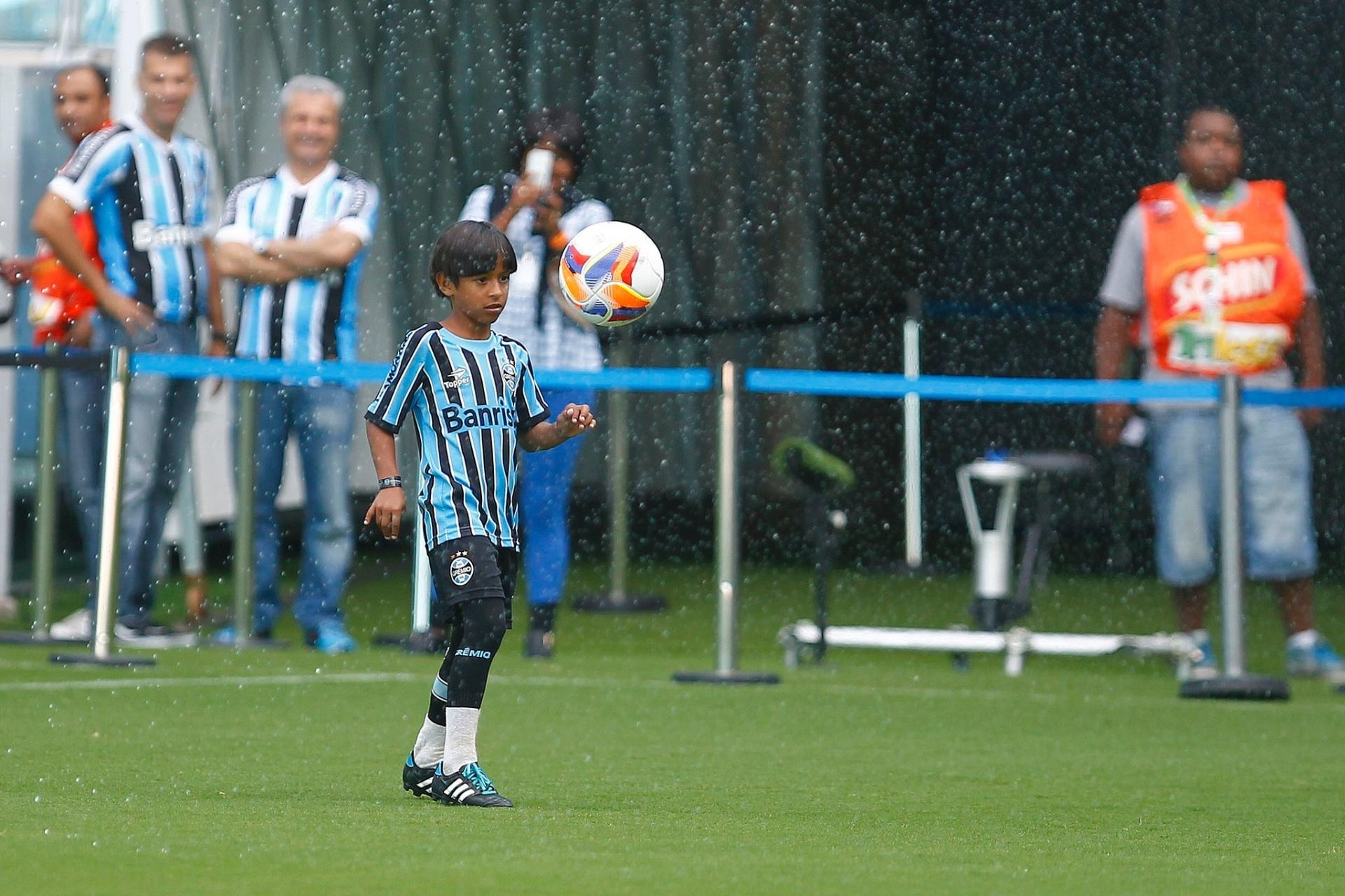 23ee2001a1 Empresário diz que Barcelona não tem interesse em sub-12 do Grêmio -  15 03 2017 - UOL Esporte