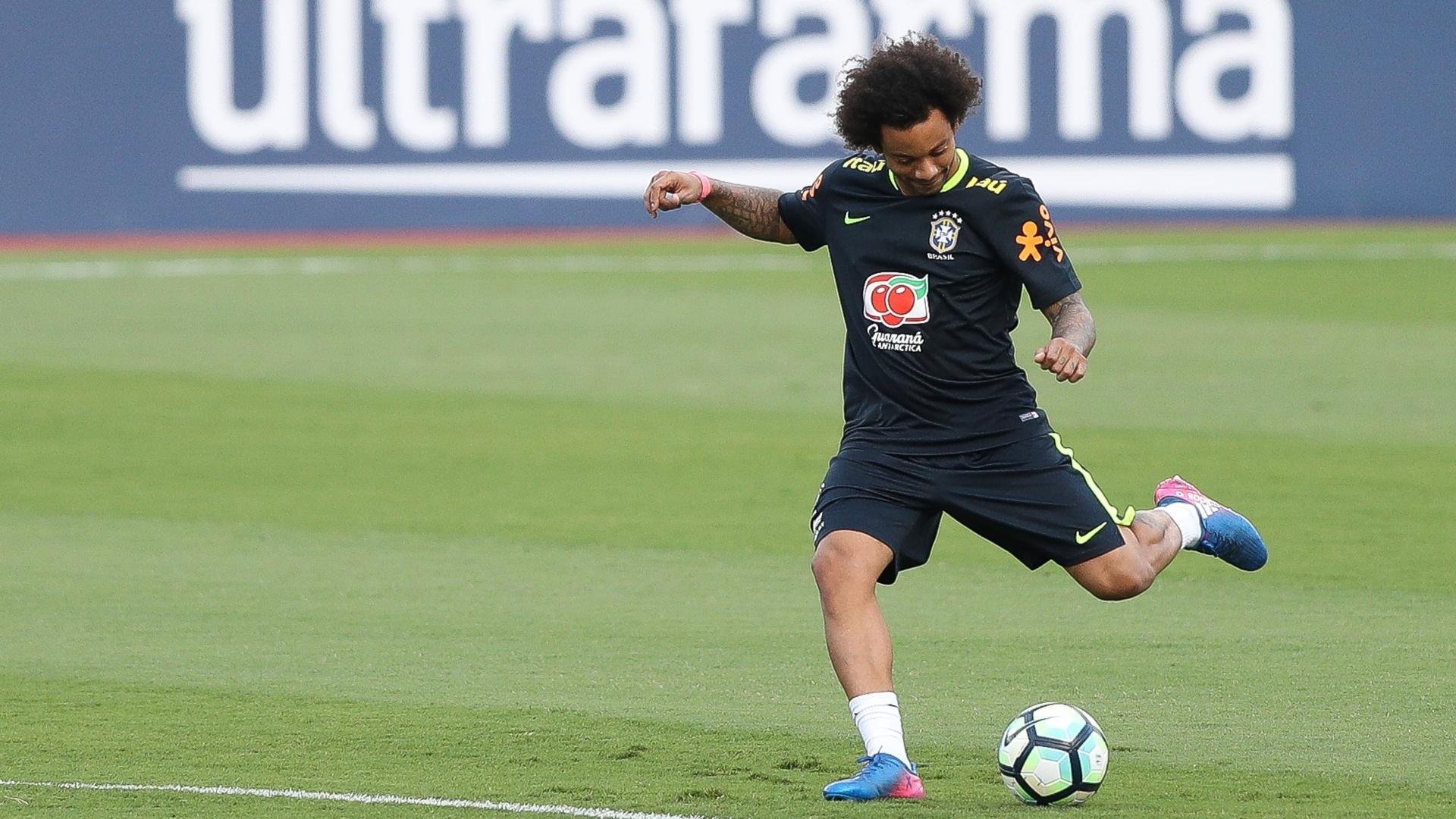 Marcelo treina finalização no Morumbi