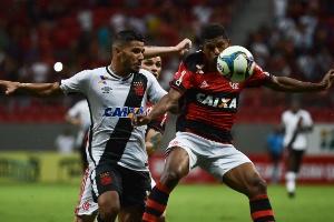 Renê insinua ajuda deliberada da arbitragem ao Vasco diante do Flamengo