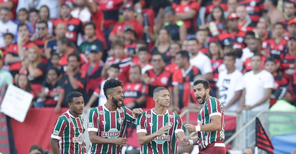 Henrique Dourado comemora gol do Fluminense contra o Flamengo