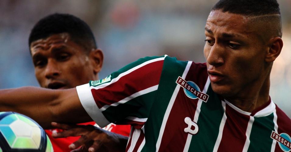 Flamengo e Fluminense fizeram clássico disputado no Maracanã