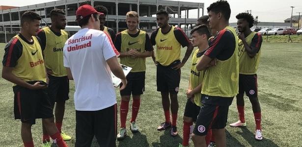 Fábio Alemão (centro) e Ronald (o mais baixinho) estão na lista de inscritos do Inter