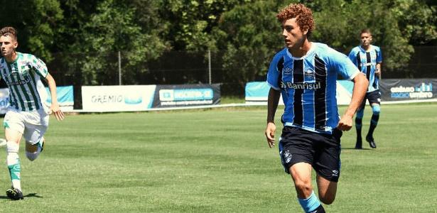 Victor Bobsin, que jogou Copa São Paulo, agora está no time B do Grêmio