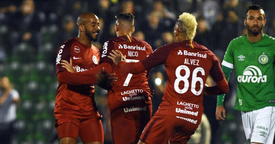 Nico López comemora gol marcado pelo Internacional contra a Chapecoense