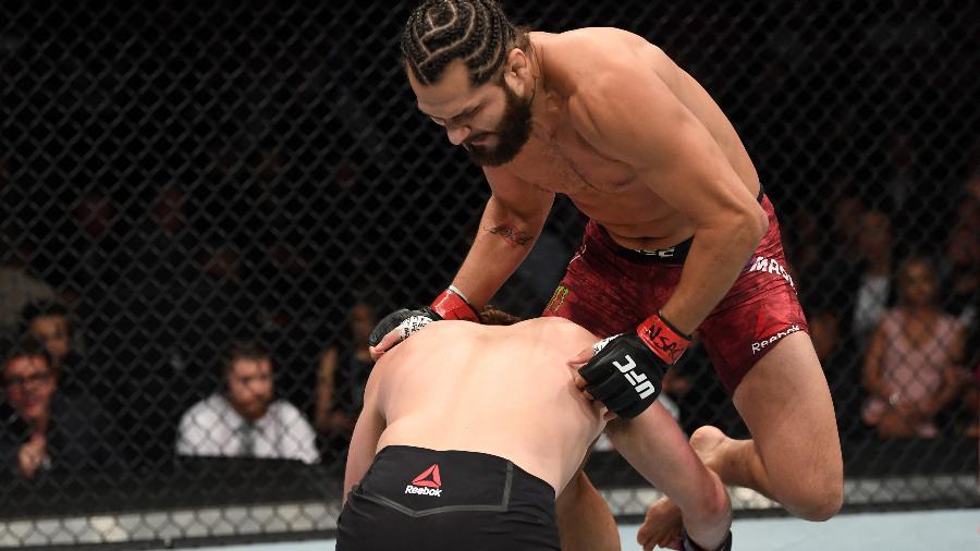 Jorge Masvidal acerta joelhada voadora em Ben Askren no UFC 239 e nocauteia o oponente em cinco segundos: recorde histórico - Josh Hedges/Zuffa LLC