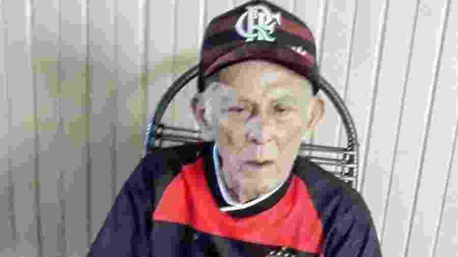 Idoso de 102 anos sobrevive à covid e deixa hospital sob hino do Flamengo - arquivo pessoal