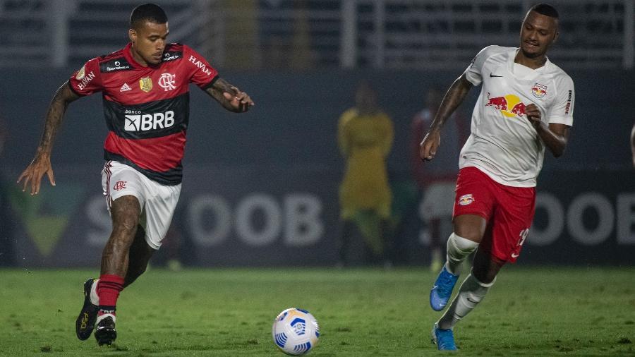 Kenedy em ação pelo Flamengo, diante do RB Bragantino - Alexandre Vidal/CRF