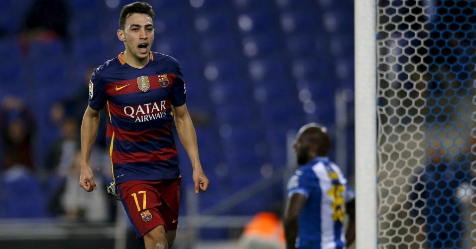 Munir comemora após abrir o placar para o Barcelona
