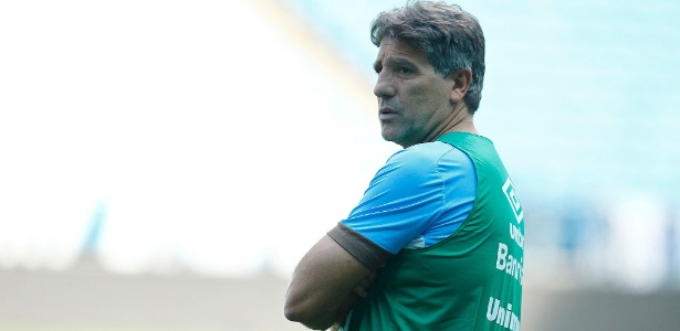 Renato Gaúcho comanda treinamento do Grêmio na Arena antes de decisão
