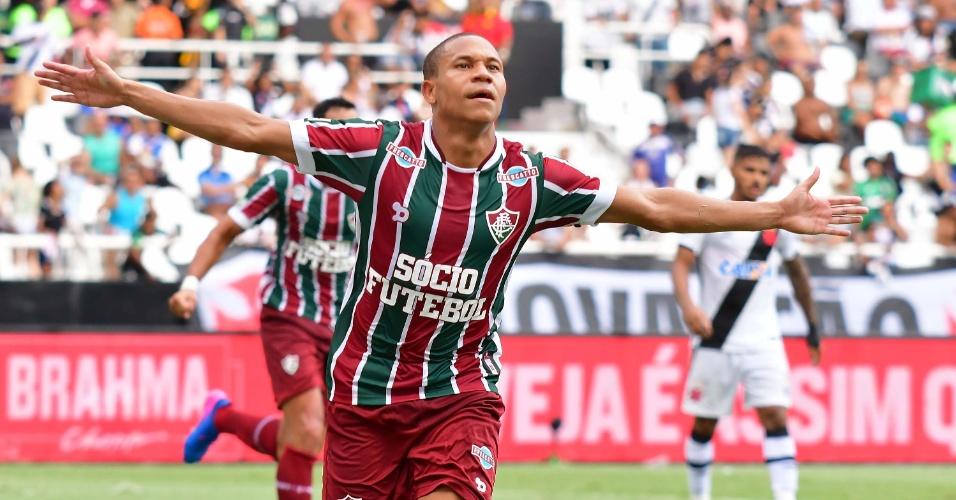 Wellington festeja um dos gols do Fluminense contra o Vasco