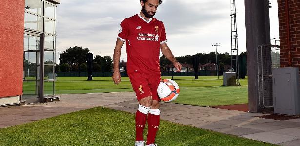 Mohamed Salah chega para vestir a camisa 11 do clube