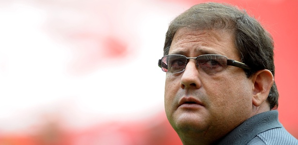 Guto Ferreira elogiou a reação da torcida após o Inter ficar com um a menos