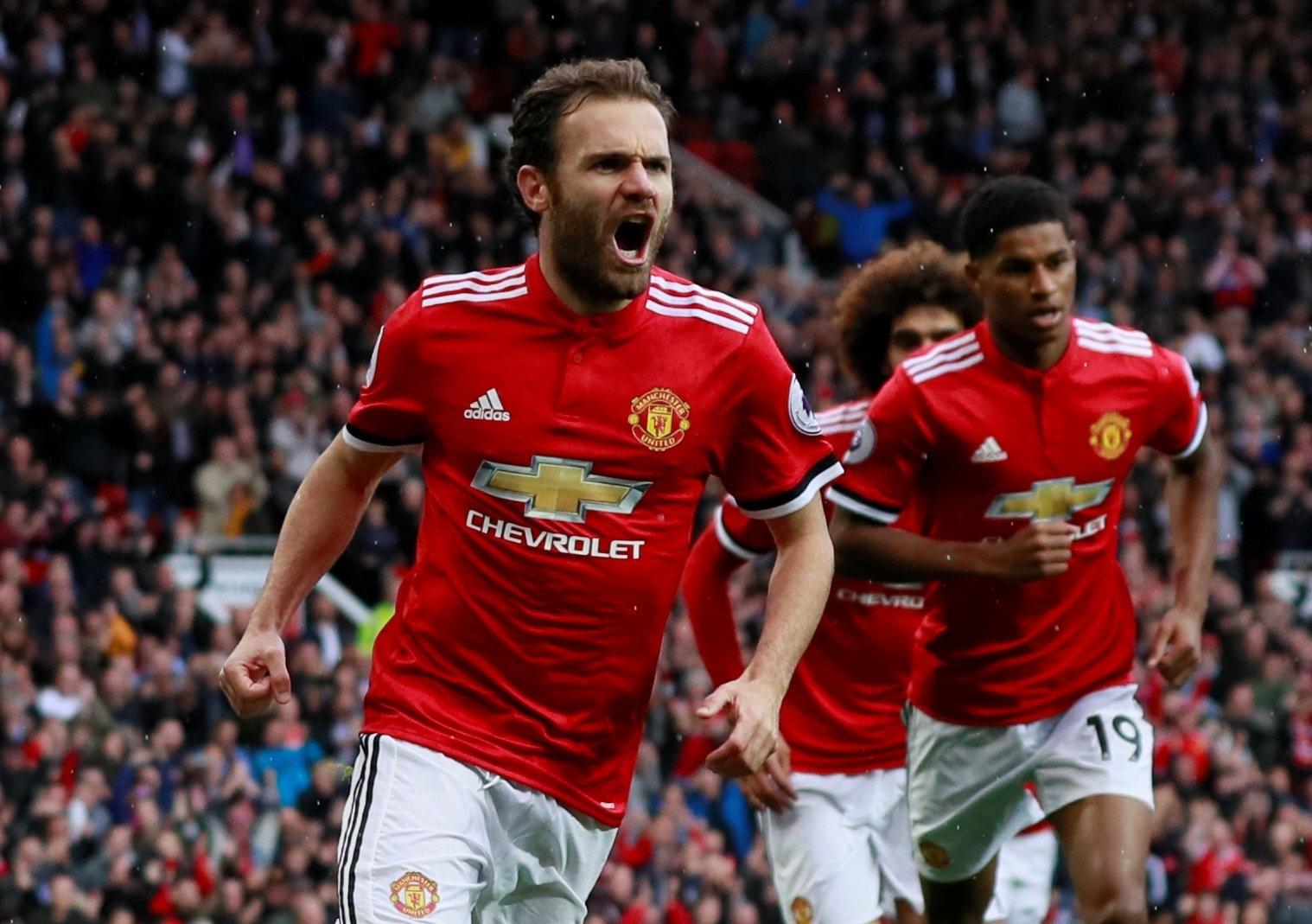 Mata comemora gol para o Manchester United contra o Crystal Palace
