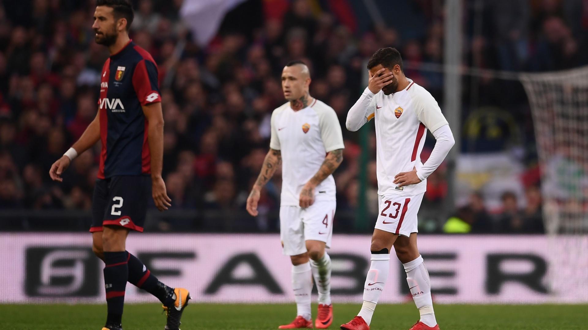 Jogadores da Roma lamentam empate com o Genoa, pelo Campeonato Italiano