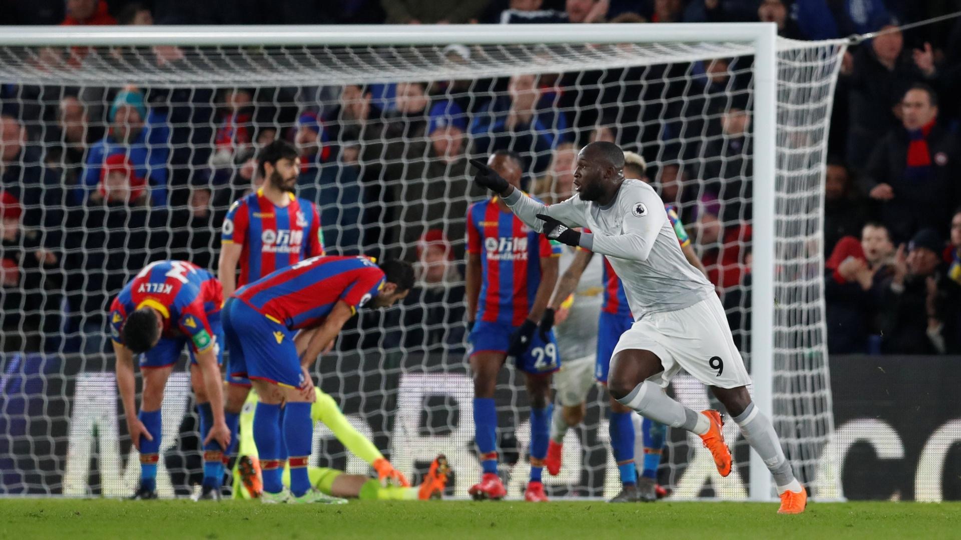 Lukaku comemora após fazer o gol de empate para o Manchester United