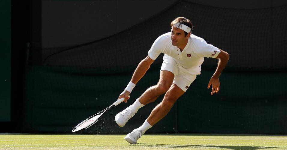 Roger Federer em ação contra Kevin Anderson em Wimbledon