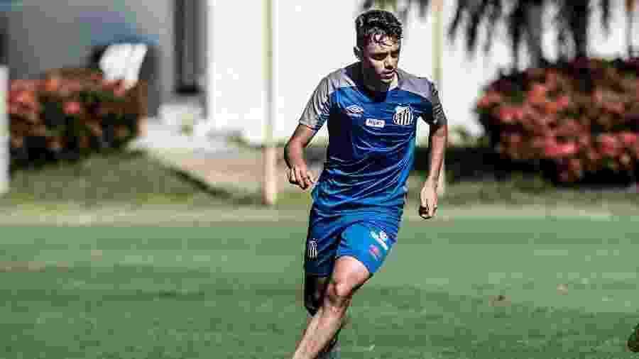 Matheus Ribeiro em treino do Santos no CT Rei Pelé - Ivan Storti/Santos FC