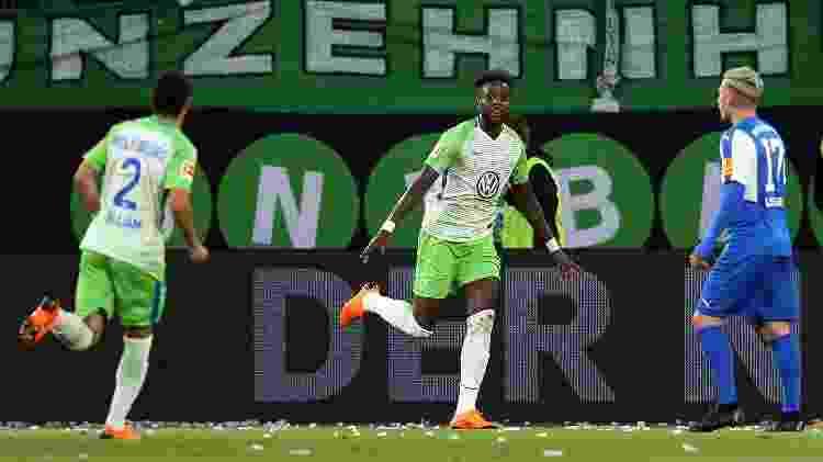 Na Alemanha, Origi marcou na vitória do Wolfsburg por 3 a 1 sobre o Holstein Kiel nos playoffs do rebaixamento - Ronny Hartmann/Bongarts/Getty Images