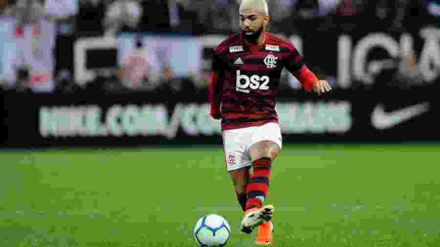 Gabigol tenta jogada na partida entre Flamengo e Corinthians pela Copa do Brasil - Alan Morici/AGIF
