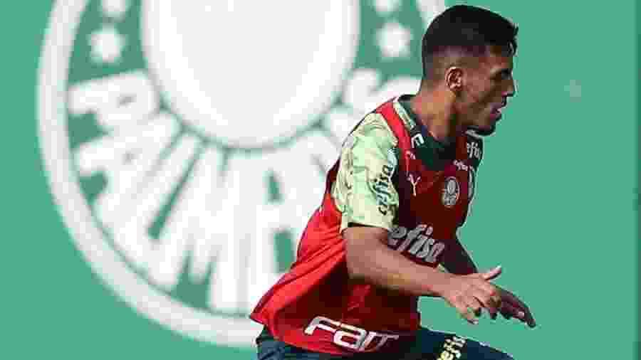 Gabriel Menino durante treino do Palmeiras na Academia de Futebol - Cesar Greco/Ag. Palmeiras