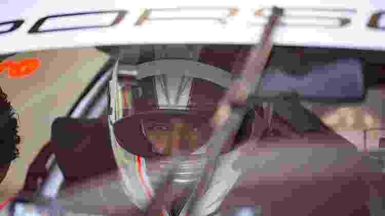 Caio Castro em carro durante treinos da Porsche Cup - Ryan Gomes - Ryan Gomes
