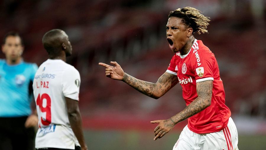 Abel Hernández comemora gol na Libertadores; Fluminense gastou só US$ 100 mil em sete reforços para a competição - Liamara Polli-Pool/Getty Images