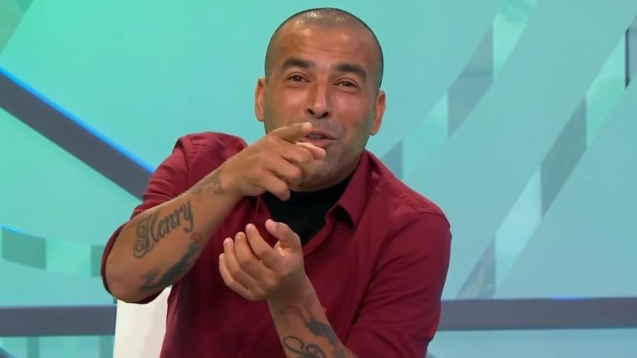 Ídolo do Corinthians, ex-atacante brincou ao simular passagem pelo rival Palmeiras - Reprodução/YouTube