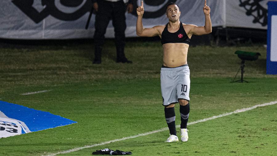 Morato, do Vasco, celebra gol contra o Náutico, em São Januário, pela Série B do Brasileiro - Jorge Rodrigues/AGIF