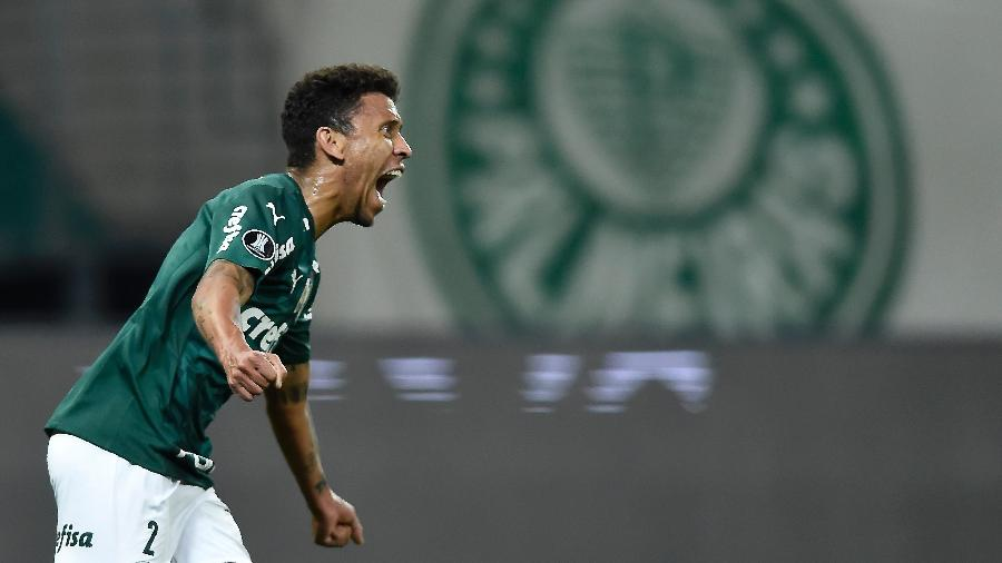 Marcos Rocha comemora seu gol pelo Palmeiras contra a U. Católica, pela Libertadores - Staff Images/CONMEBOL