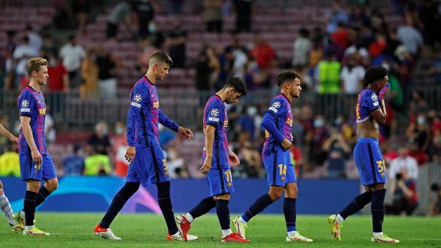 Jogadores do Barcelona após a derrota por 3 a 0 contra o Bayern de Munique na Liga dos Campeões - REUTERS