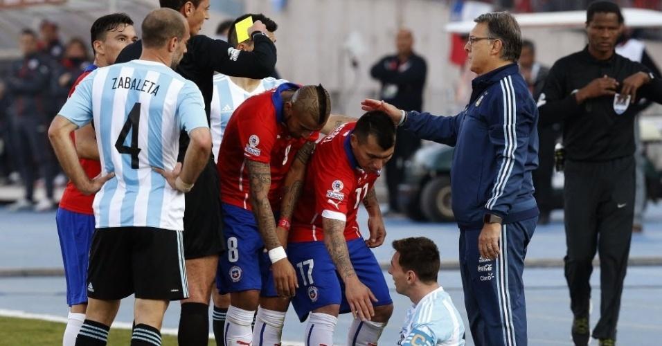 Falta em Messi gera pequena confusão na final da Copa América
