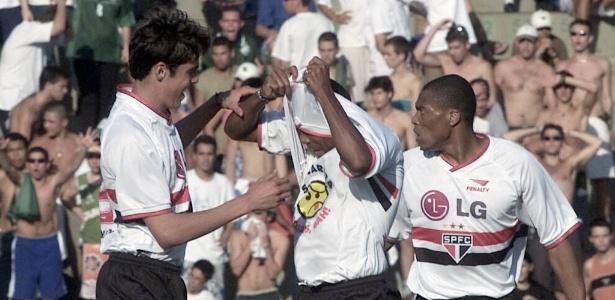 Kaká e Julio Baptista jogaram juntos em 2001