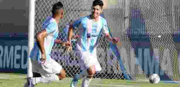 Rondinelly celebra gol pelo Macaé-RJ. Agora ele defenderá o Londrina-PR - Tiago Ferreira/Divulgação/Macaé