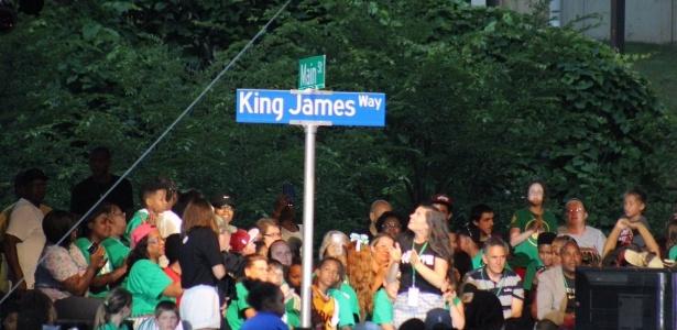 Parte da Main Street, na cidade de Akon (Ohio), passa a se chamar King James Way - @JR_MESS/Twitter