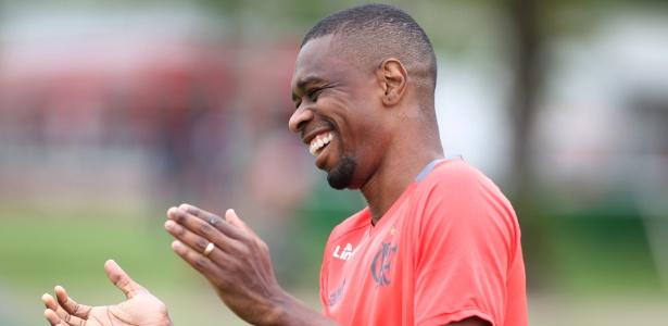 O veterano zagueiro Juan assinou o novo contrato com o Flamengo na última semana - Gilvan de Souza/ Flamengo