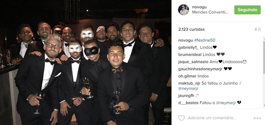 Lucas Lima e outros jogadores do Santos foram à festa de aniversário da mãe de Neymar