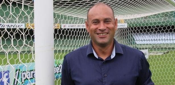 Rogério Maia, preparador de goleiros, voltou a trabalhar na CBF após ter sido demitido