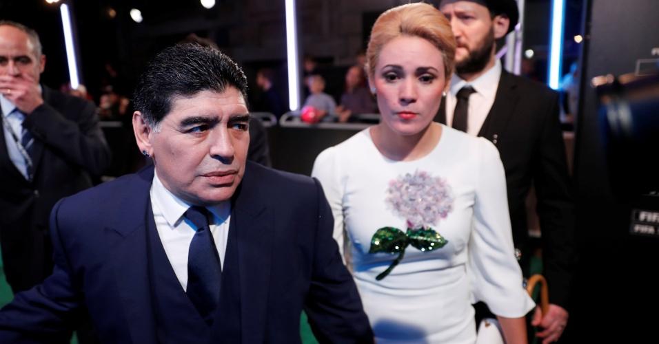 Diego Armando Maradona com a mulher Rocio Oliva antes do prêmio da Fifa