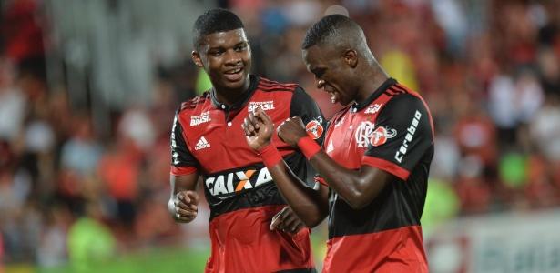 Molecada do Flamengo tem dado conta do recado e deixou clima mais leve