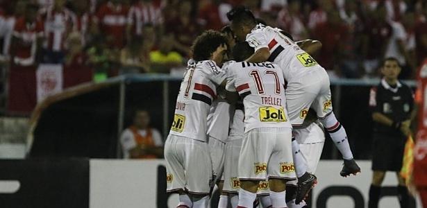 Jogadores do São Paulo têm destacado união do grupo como um diferencial