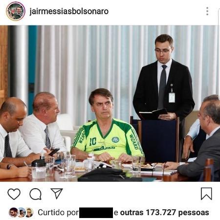 Presidente Jair Bolsonaro usou camisa falsificada do Palmeiras em reunião - Reprodução/Instagram
