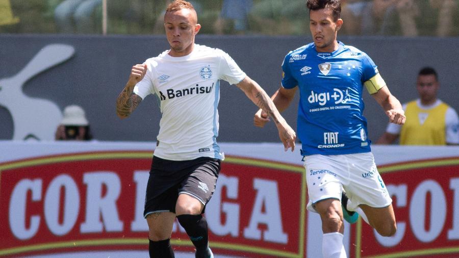 Everton durante Cruzeiro x Grêmio - Fernando Moreno/AGIF