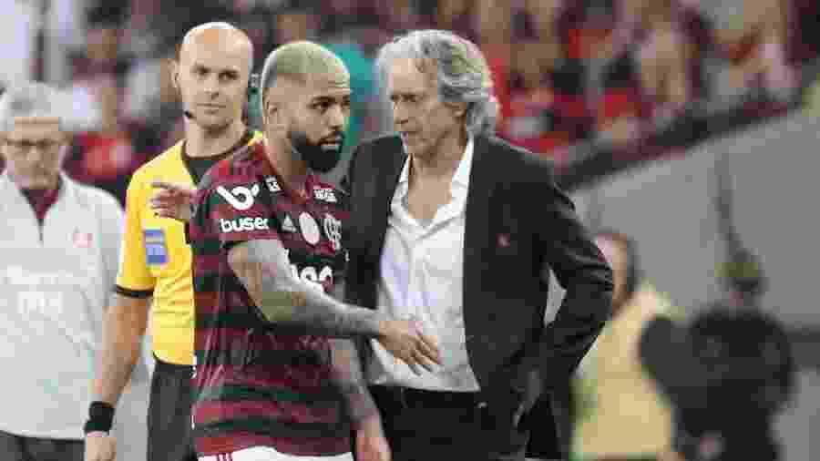 Gabigol e Jorge Jesus em jogo do Flamengo - Sergio Moraes/Reuters