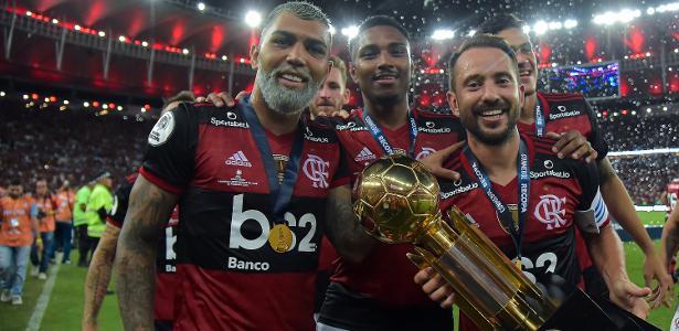 Campeão da Recopa | Fla aproveita calendário e emenda títulos à la Santos de Pelé
