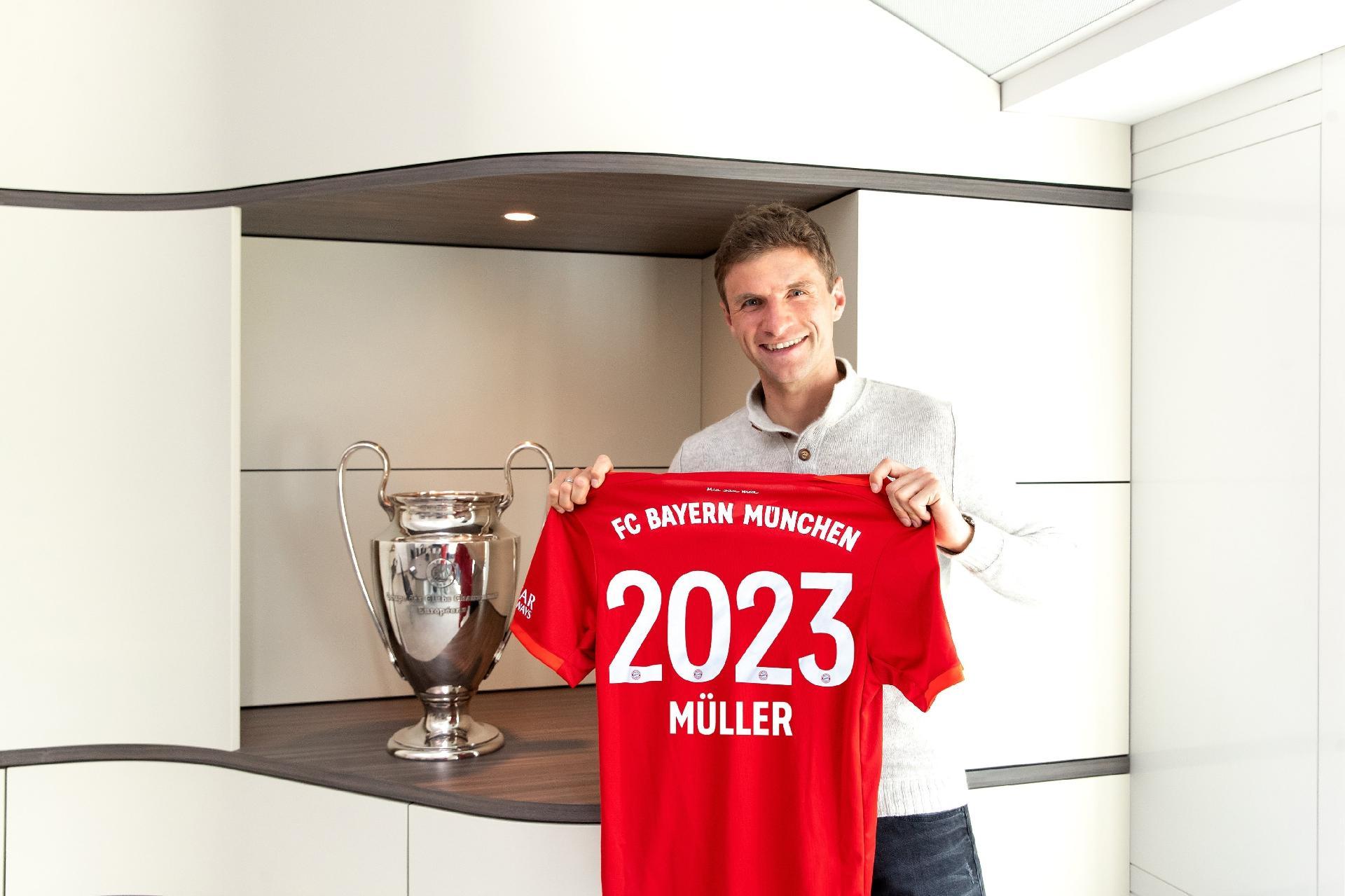 Bayern de Munique: Muller reclama de possíveis contratações caras após  corte de salários