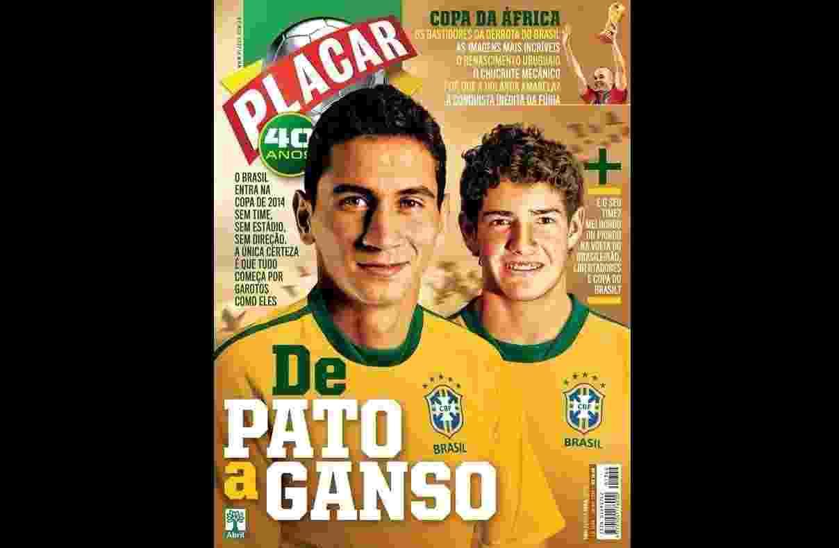 Paulo Henrique Ganso e Alexandre Pato na capa da Revista Placar de julho de 2010 - undefined